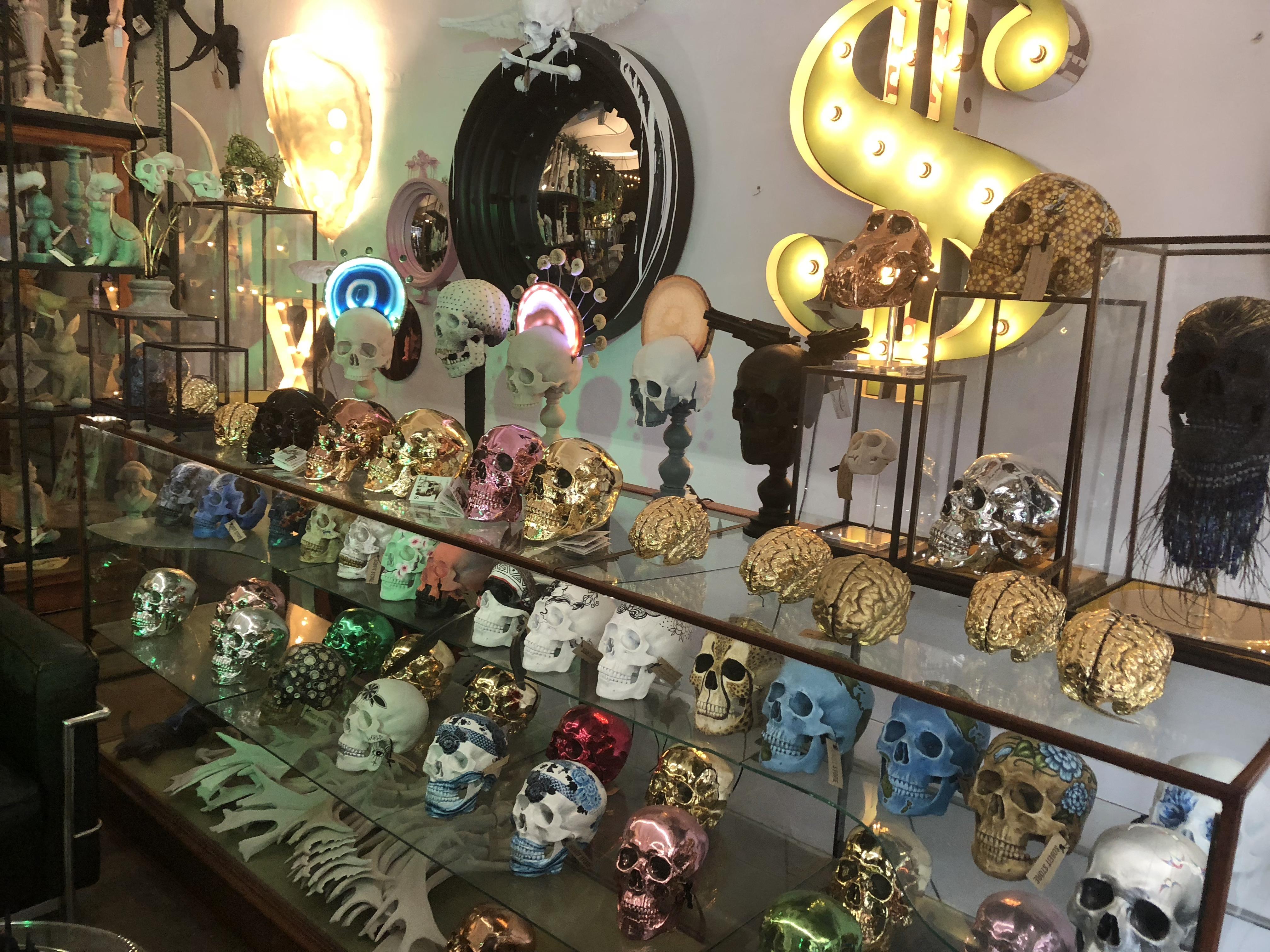 Sobeit Studio, Candles, skulls